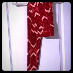 SZ OS HEART LEGGINGS.   NEW